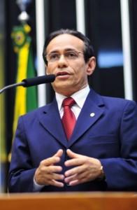 Pinto será 1º suplente de Roberto Rocha