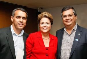 Márcio jardim ao lado de Dino e da presidente Dilma