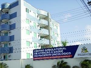 Prédio residencial transformado em Centro Ambulatorial: festival de irregularidades