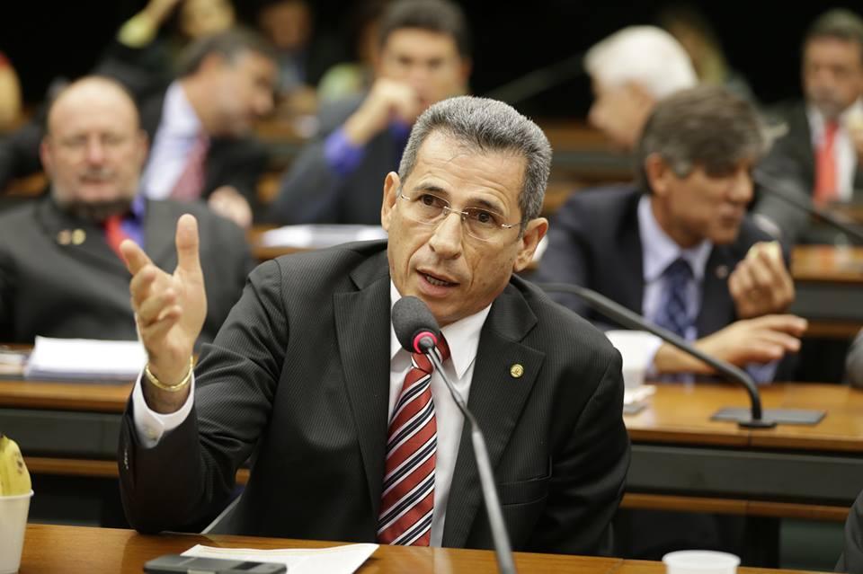 Zé Carlos foi o único maranhense a pedir a cassação de Cunha
