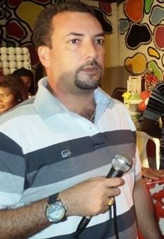Prefeito Delmar Sobrinho atrasa em até oito meses os salários dos funcionários